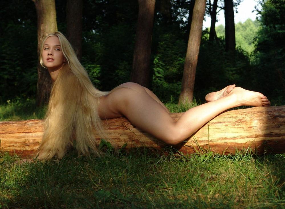 Фото Девушки Блондинки С Длинными Волосами Обнаженные