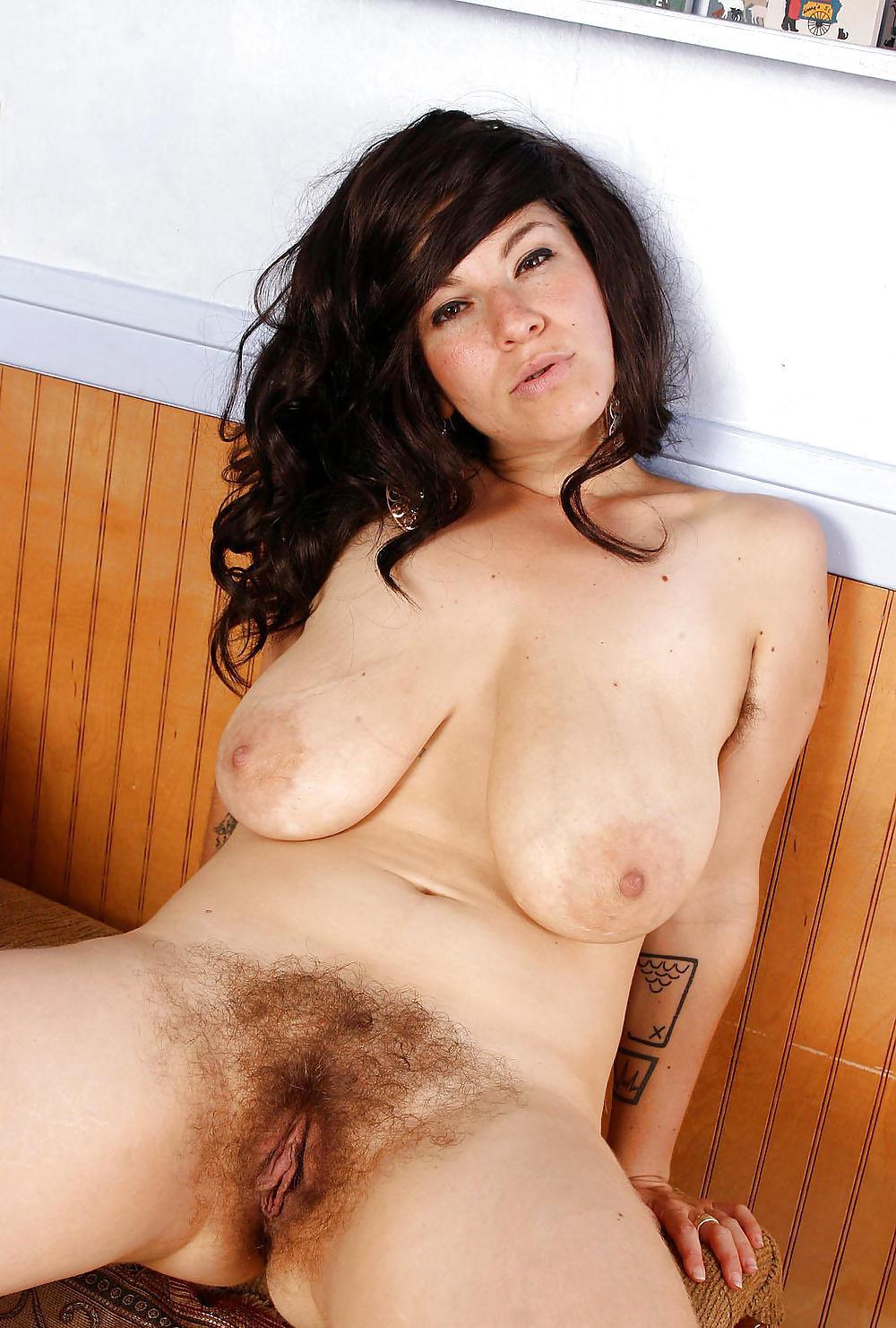 Порно Волосатые Женщины С Огромными Сиськами