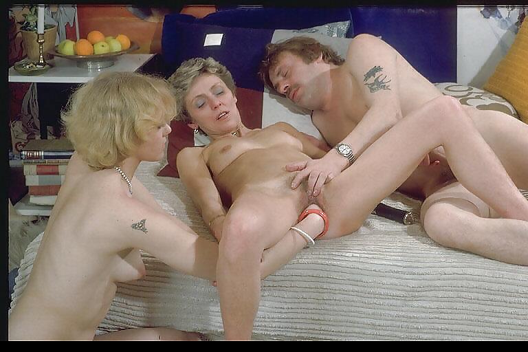 Dolly Hangetitten Bikini Gloryhole