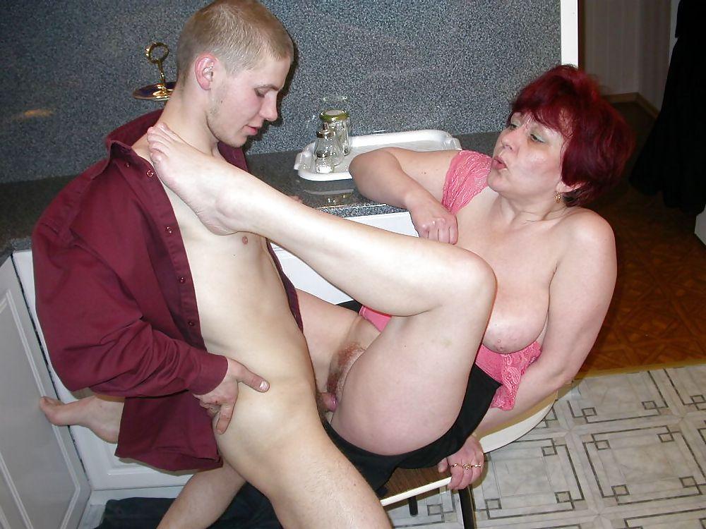 Секс Зрелой Мамаши С Сыном