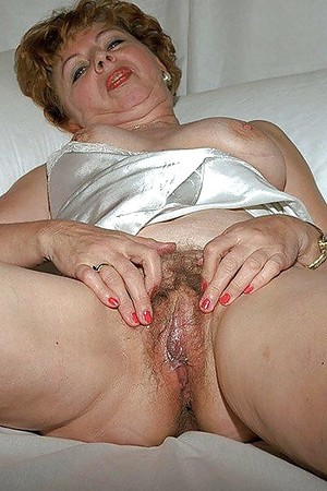 Dildo amateur shemale messy