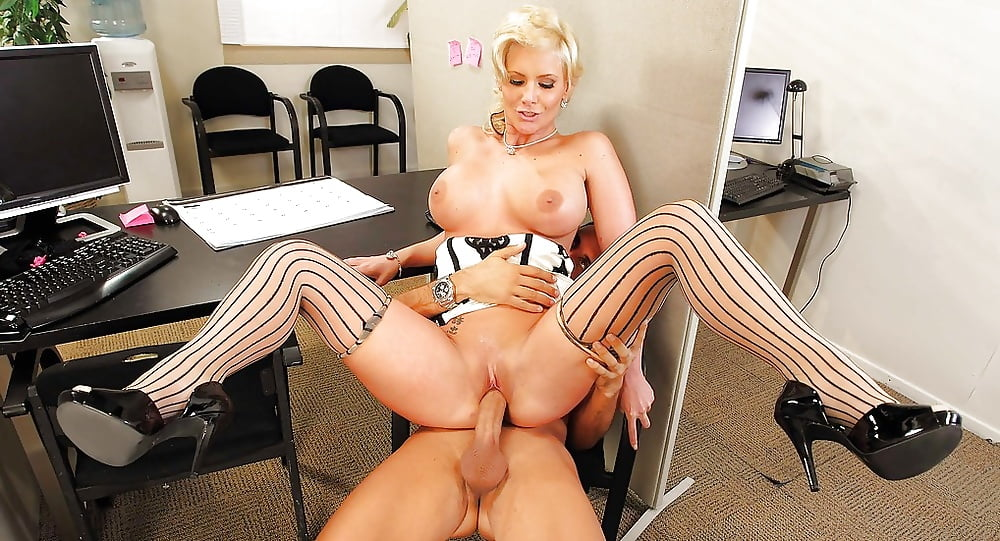 Stories of office sex, photo porno de selena gomez playboy