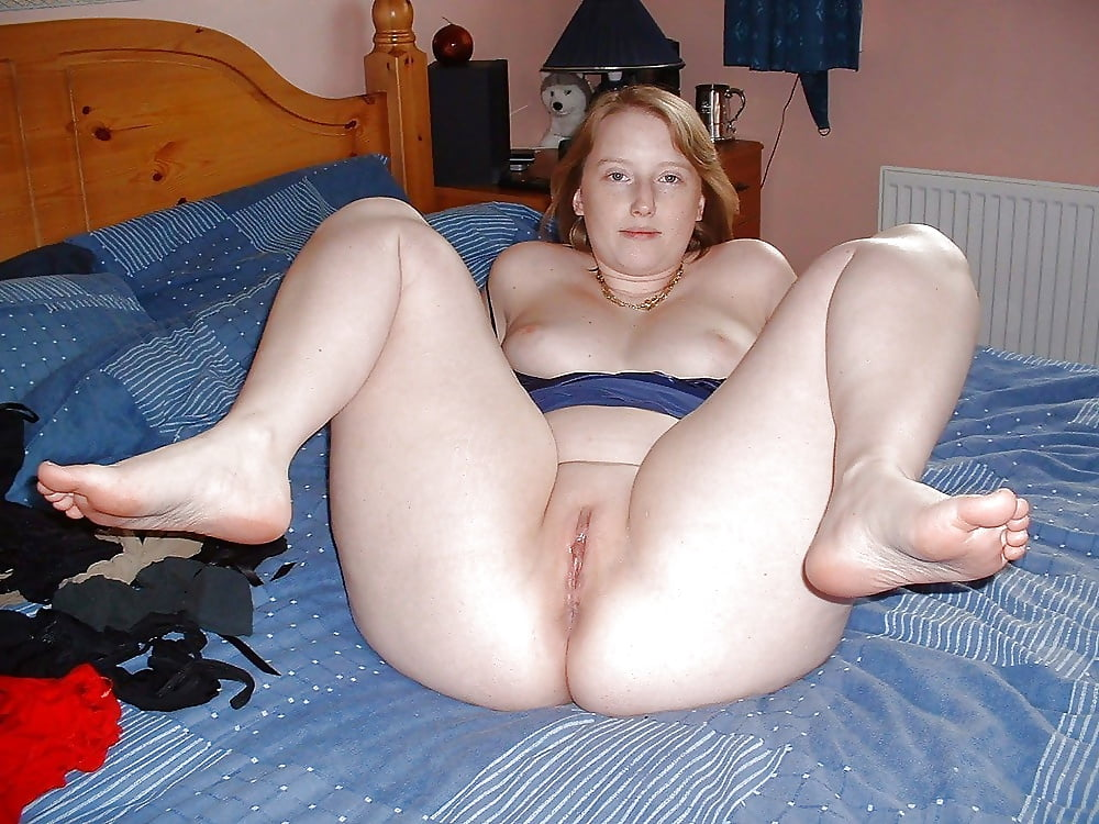 Fat slut legs spread