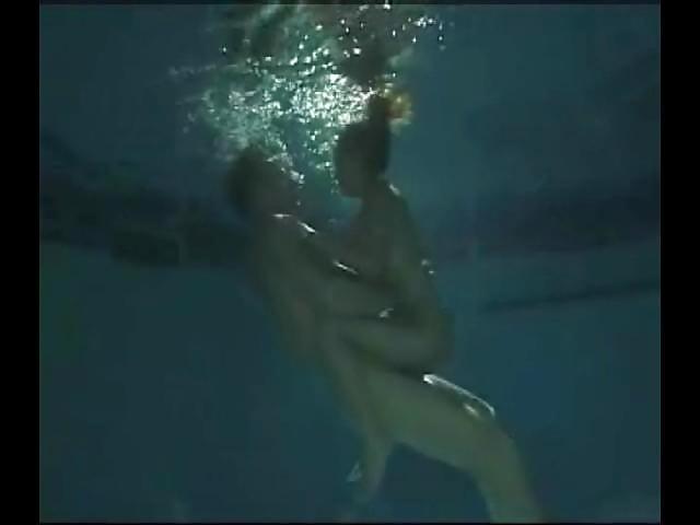 Underwater Swingers #1 - 60 Pics