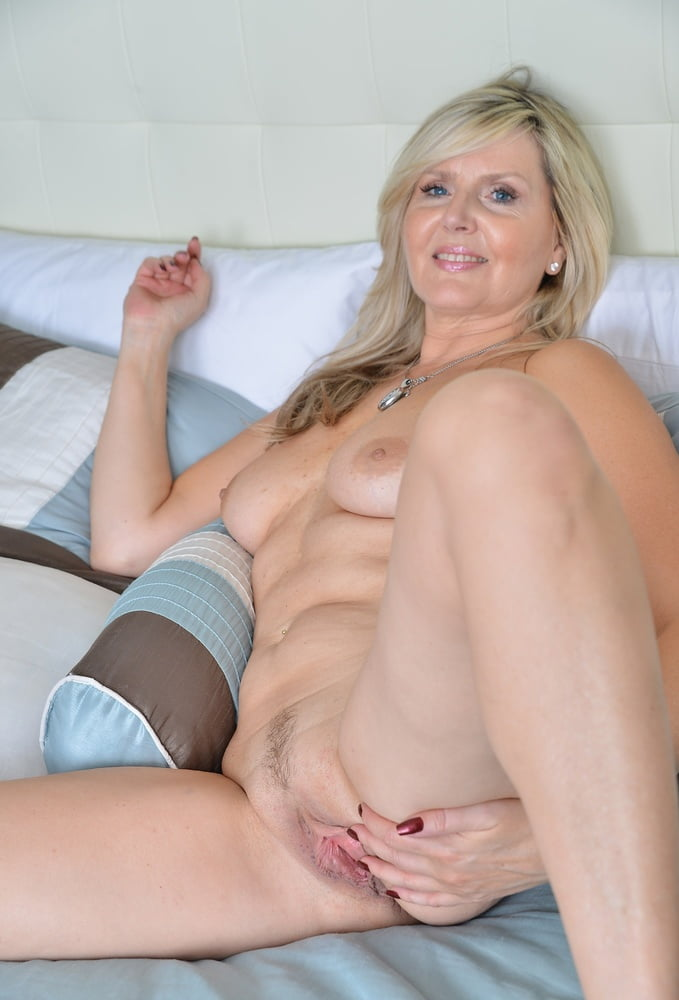 Sexy old mature blonde
