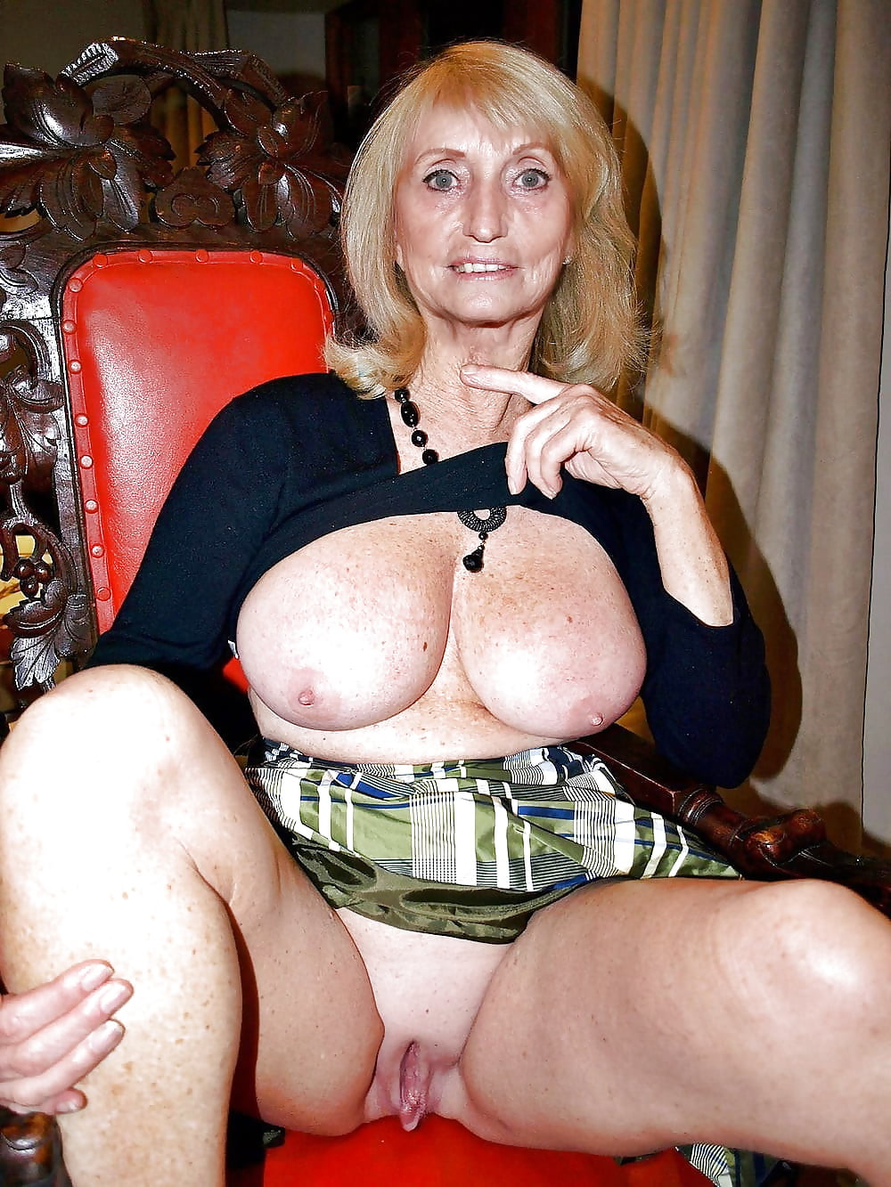 hot-sexy-mature-bitches