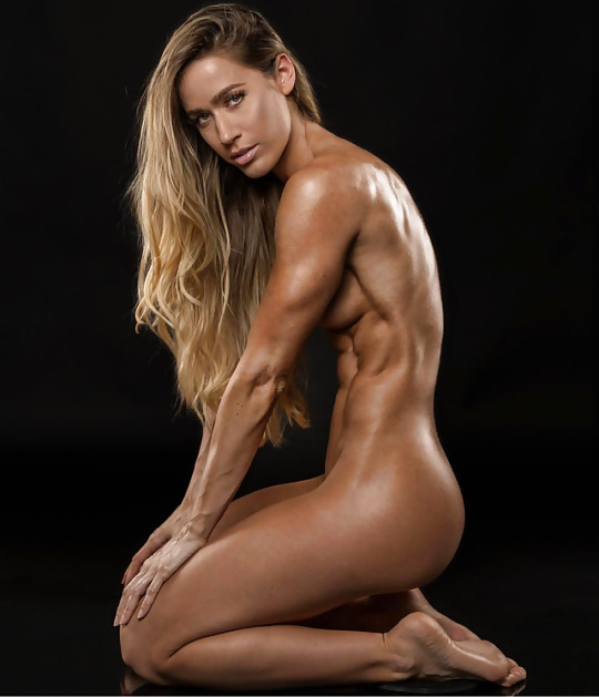 Professional nude athletic girl