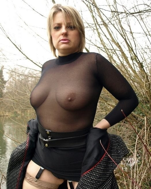 UK Milf in the Woods - 13 Pics