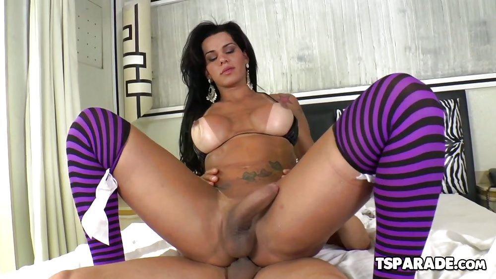 Bend Over Shemale Porn Pics