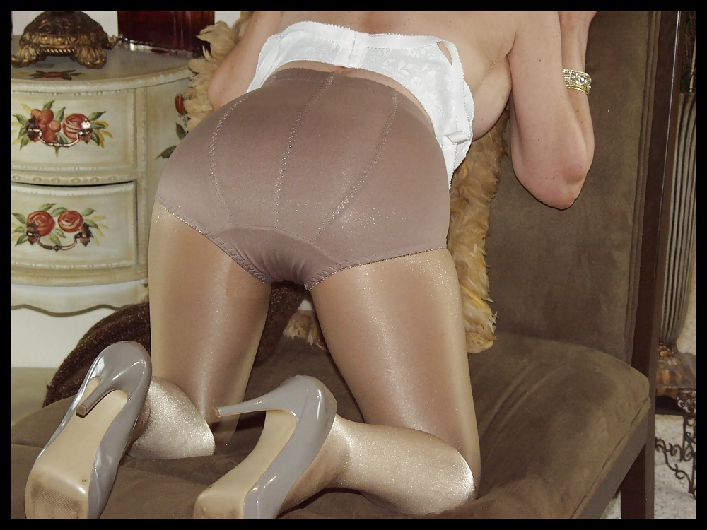 Most pantyhose ever worn 4