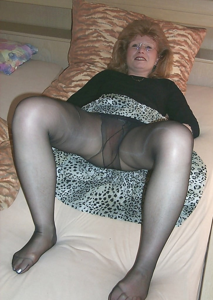 Teen x old omas in pantyhose