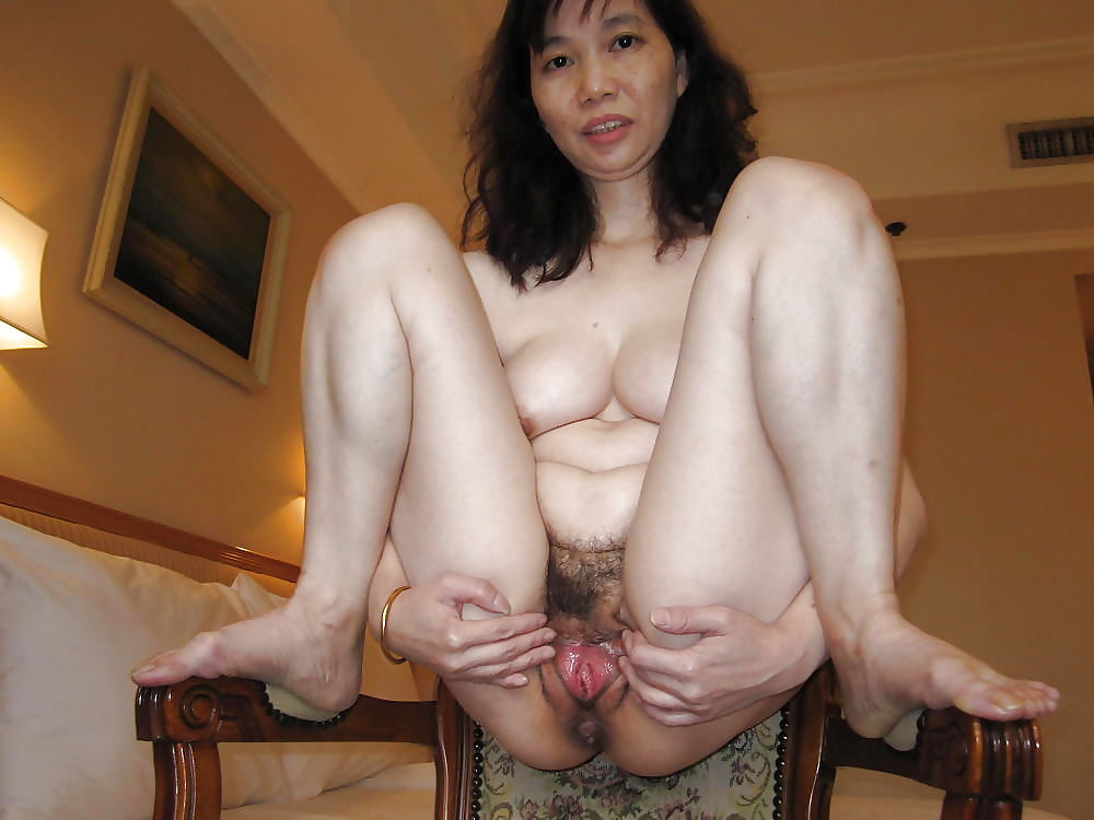 wet-ass-hot-chinese-mature-squirts-denise