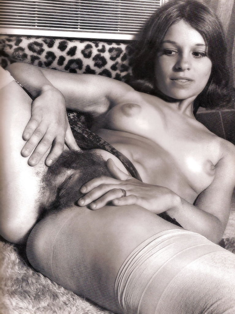 See And Save As Figa Pelosa Vintage Hairy Pussy Vintage Porn Pict