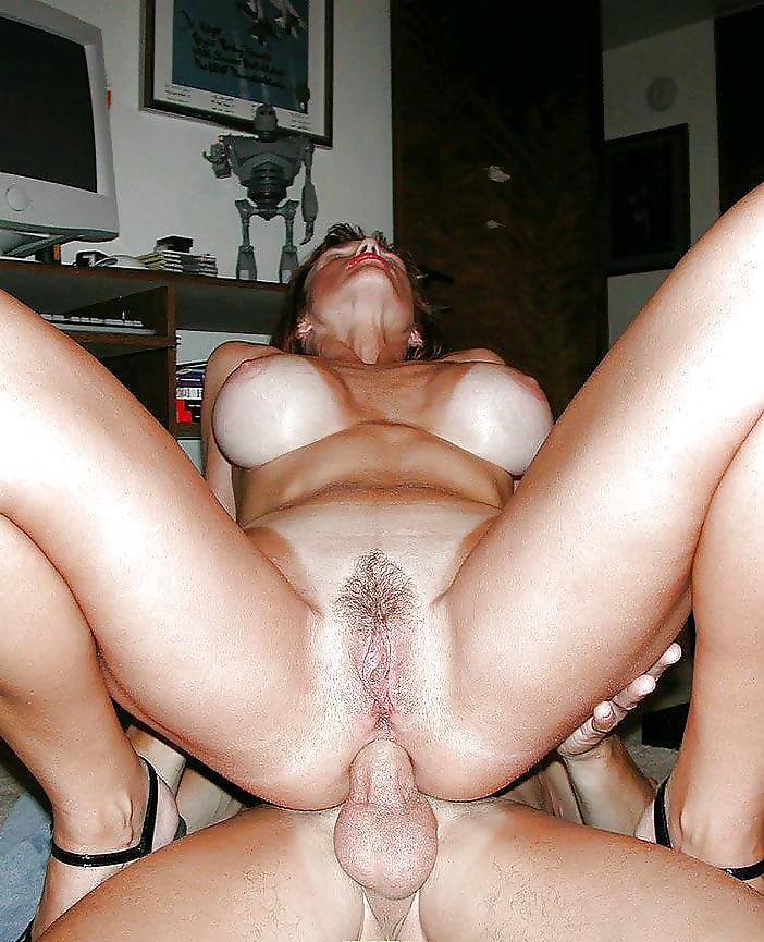Милф порно фото домашнее, сперма в очко жестко