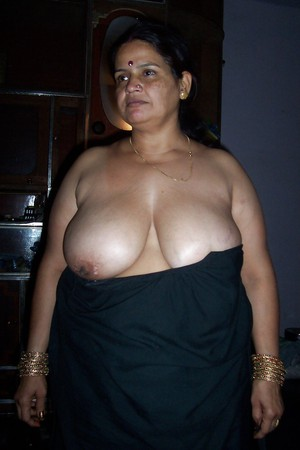 indian bbw aunty with huge boobs