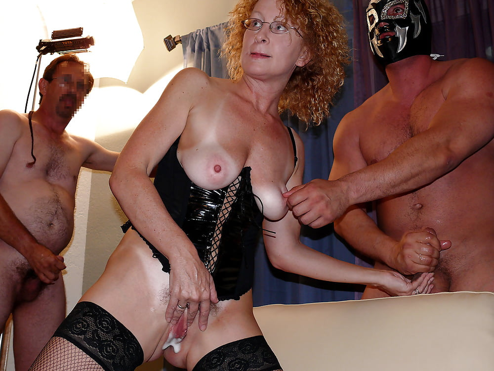 Group Sex With White Milf Woman And Black Guys Who Cum In The Pussy