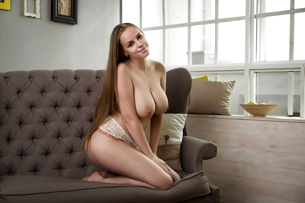 Эротическое видео девушек с большой натуральной грудью