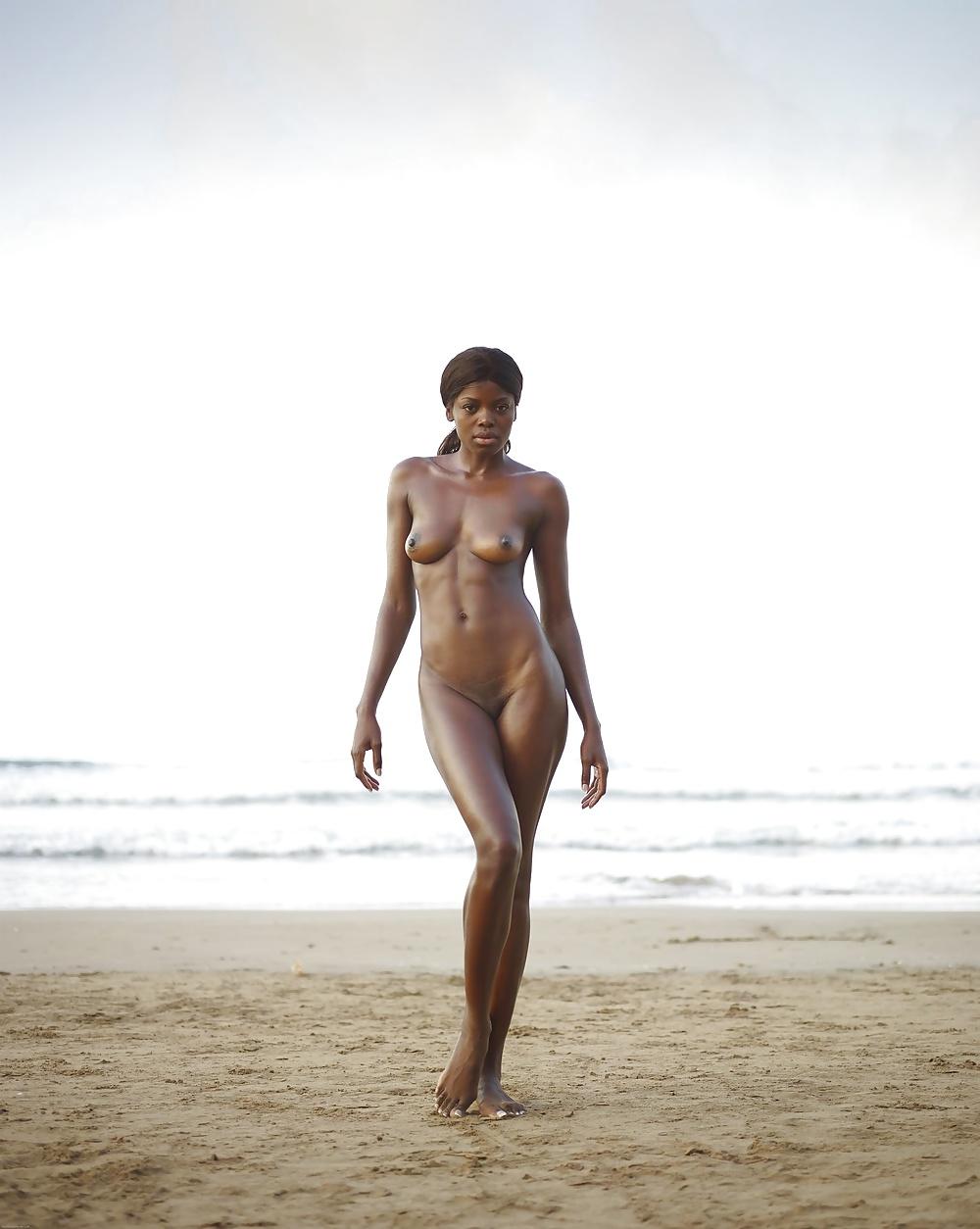 Christian nudity pics — photo 2