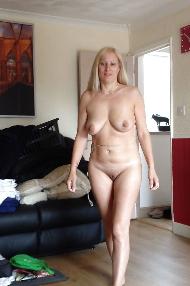 single-mom-naked