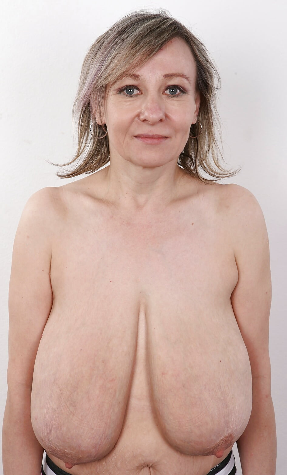 nude-over-saggy-breasts-pictures