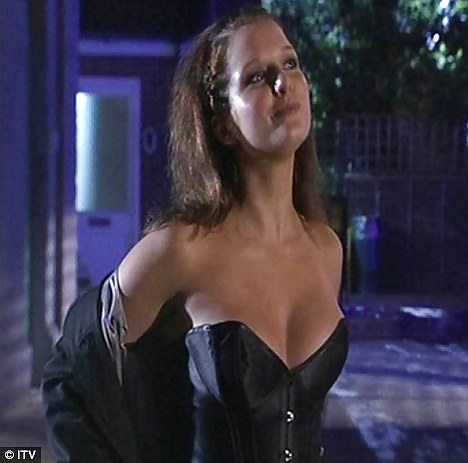 Rosie webster to have raunchy fling
