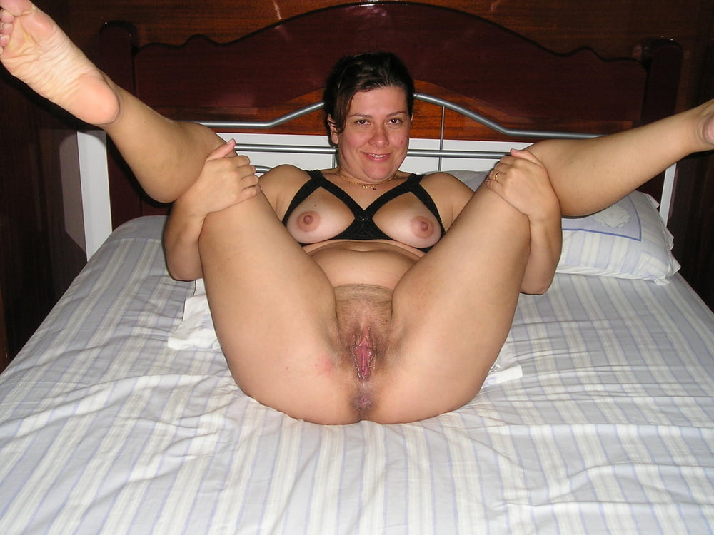 mature-spread-wife
