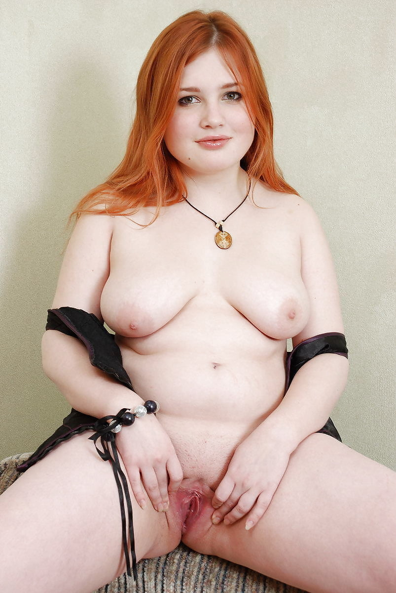 chubby-redhead-spreading-naked-amature-milfs-masturbating