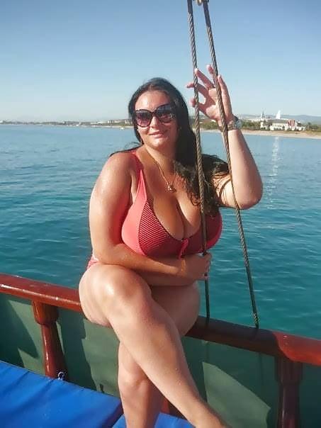 Huge tits cougar