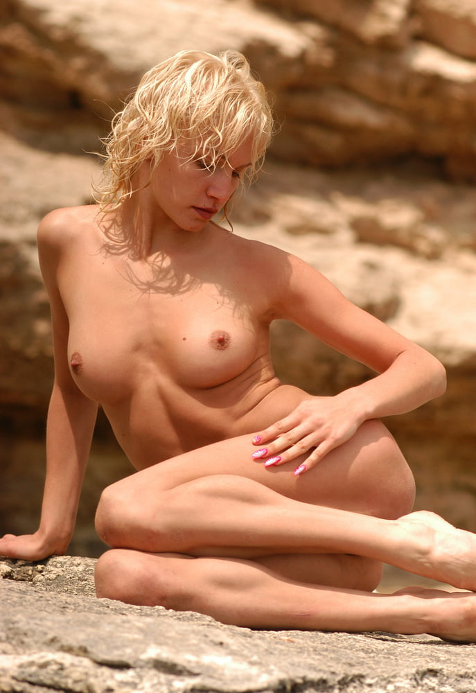 Large naked breast pictures