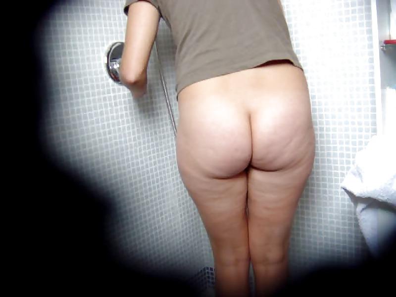 Francesca maggio masturbating on a bathtub - 2 2