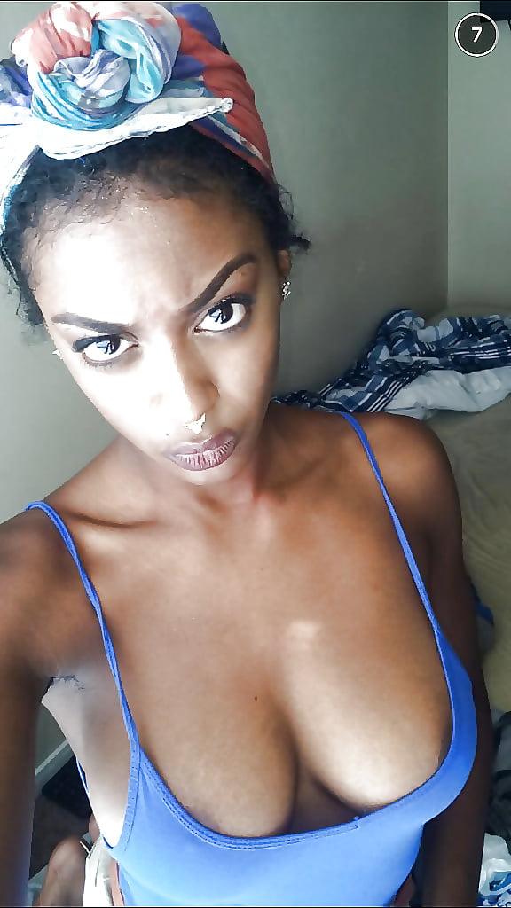 hannah mantana nude pics