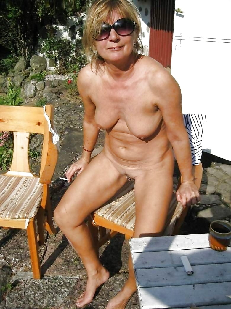 Free naked seniors pictures