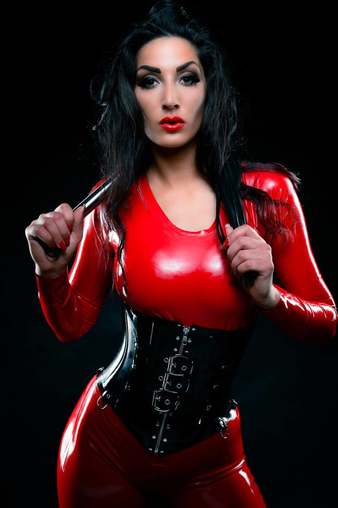 Lady Electra Latex Kitty Kats 1