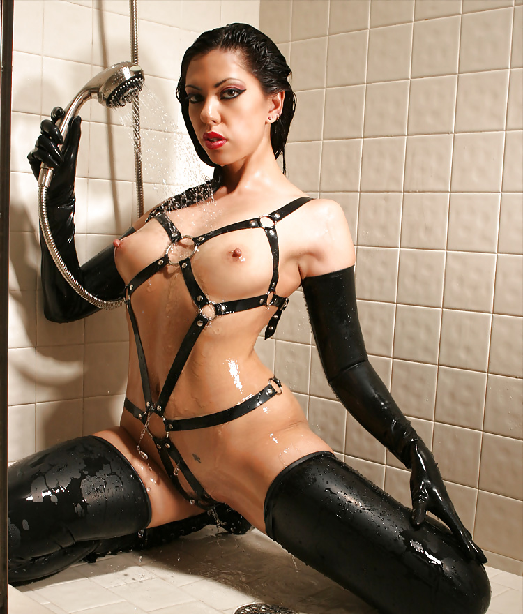 Showing xxx images for leather bra xxx