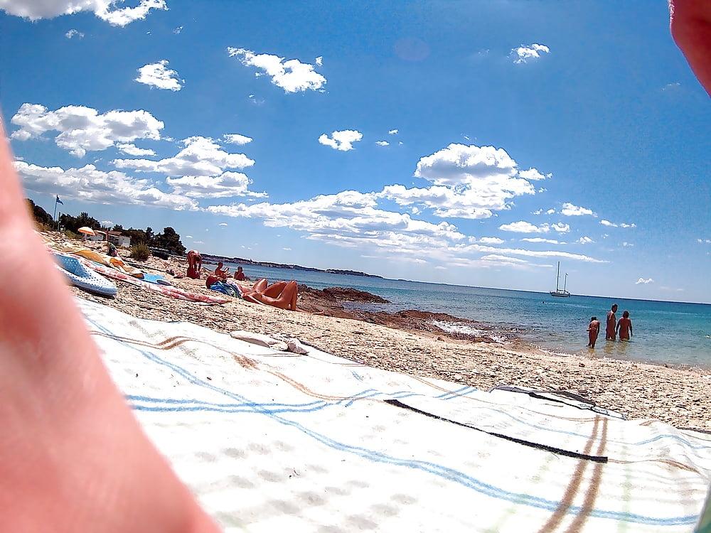 Heimlich Am Strand Gefilmt