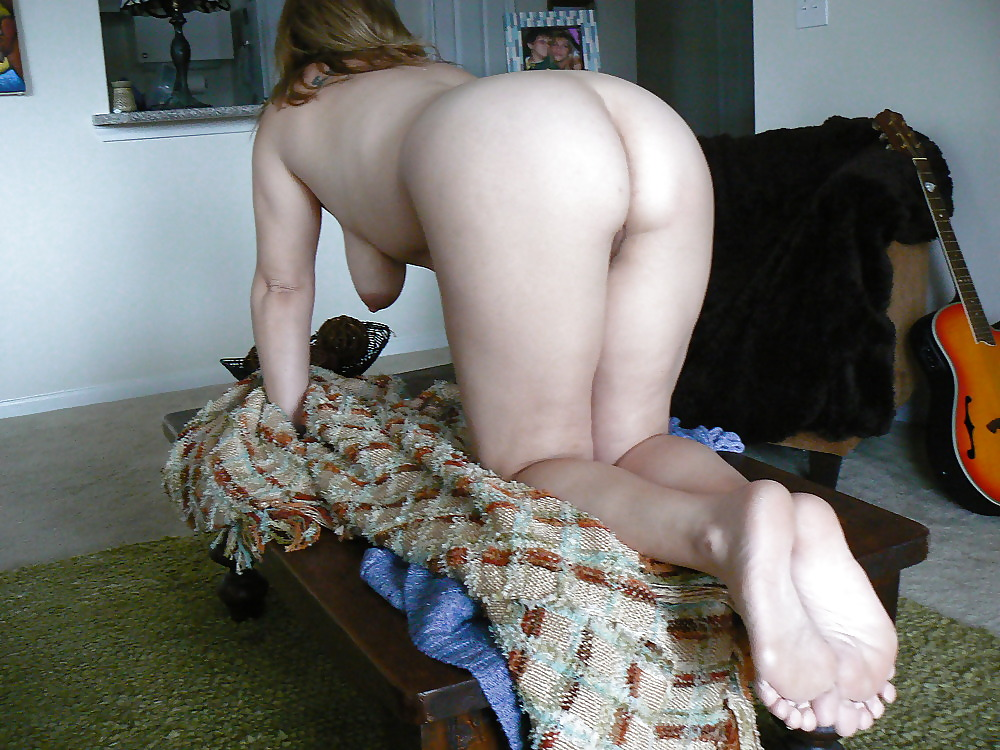 Secretary pics woman bending over showing pussy sex
