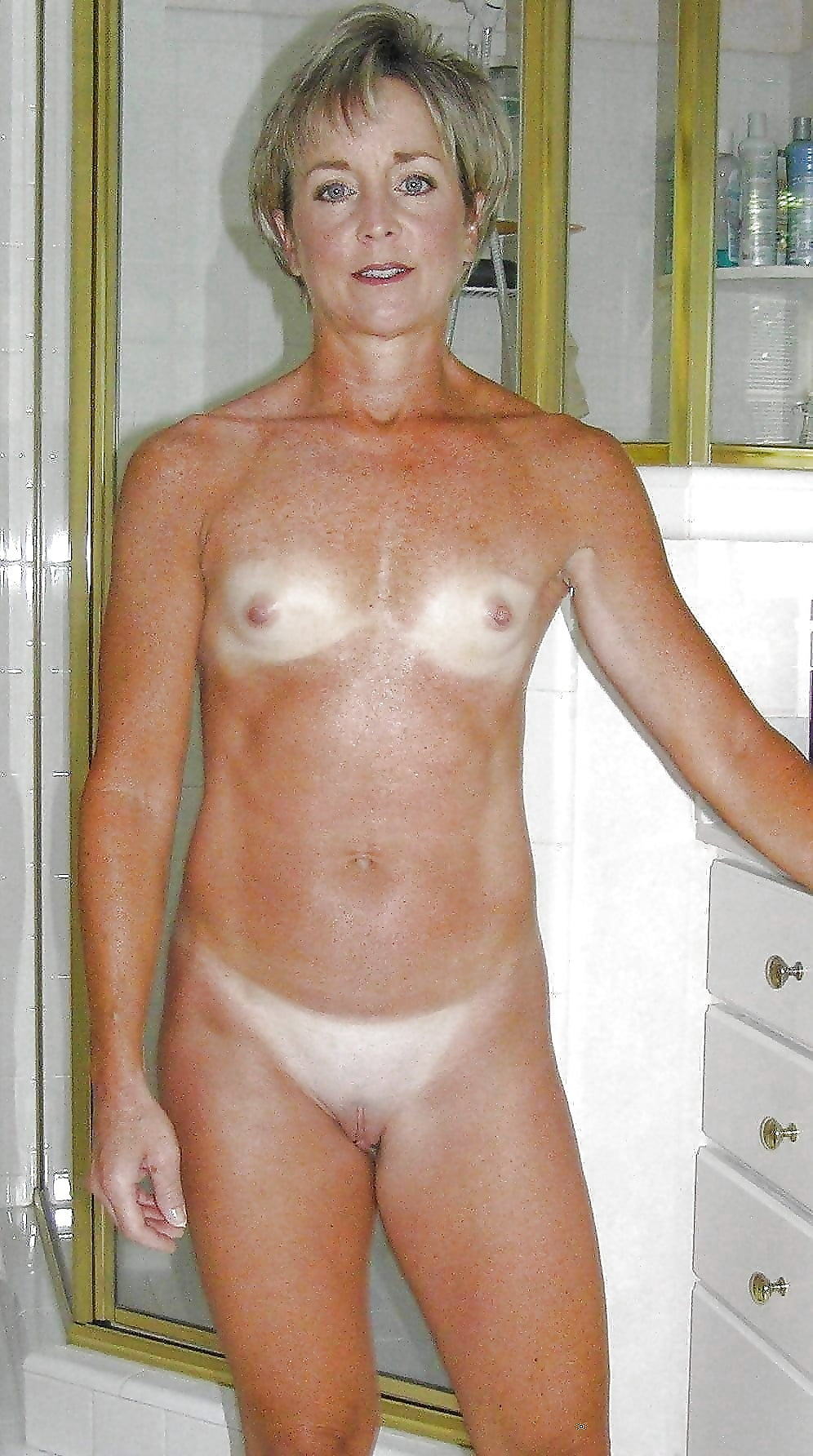 Flat chested old milfs girl