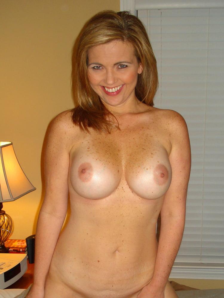 amateur women in pantyhose