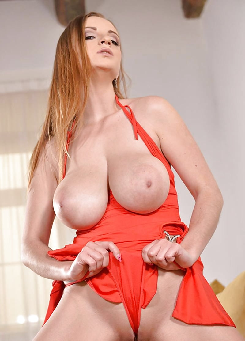 busty-adventures-suzie-women-sexiting-naked-nude
