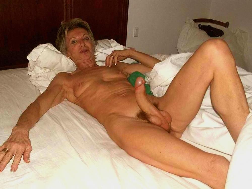 Mature amateur nude older women