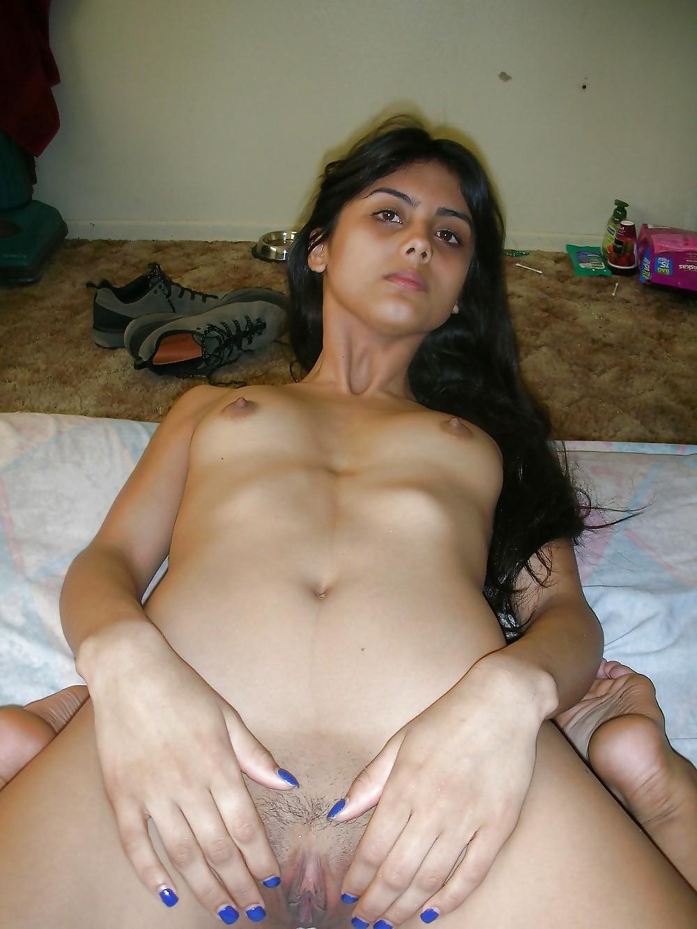 Pakistani Girls Showing Hairy Pussy
