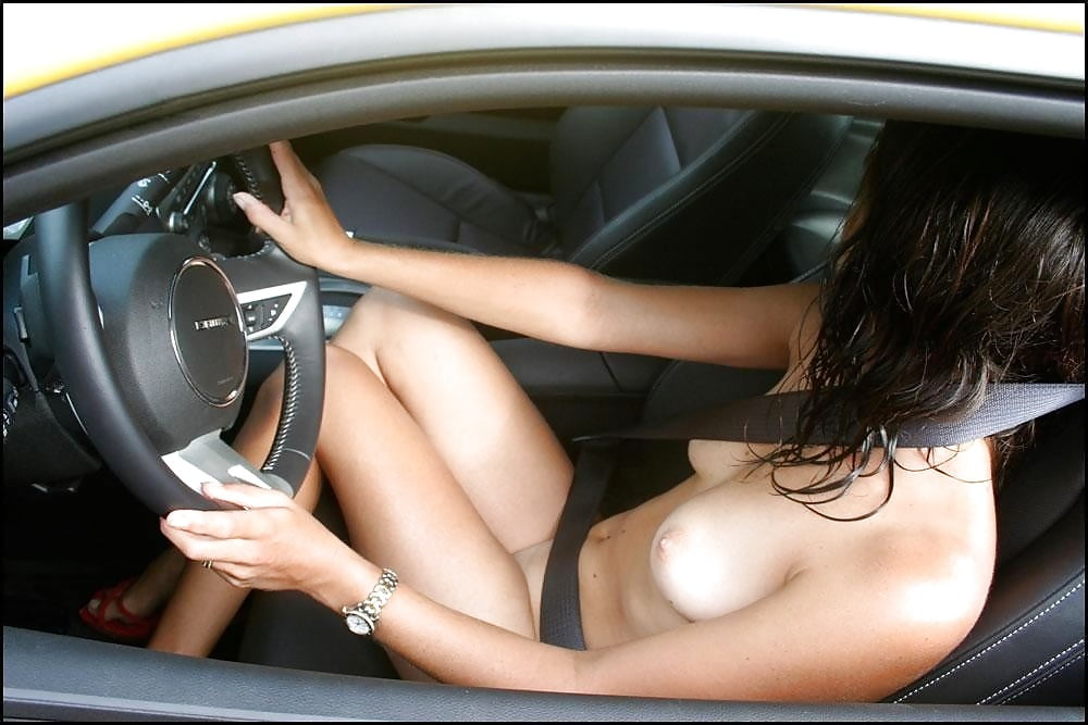car-stuck-girls-naked