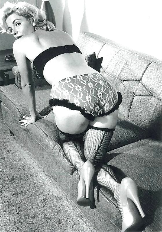 fut-fetish-porno-foto-vintazh-v-pantalonah