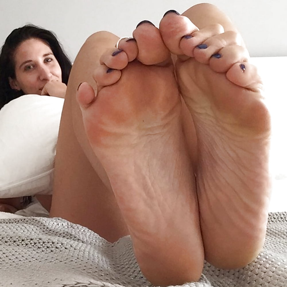 Amazonian Feet - Aussie Big Foot Fetish Model - 35 Pics -9380