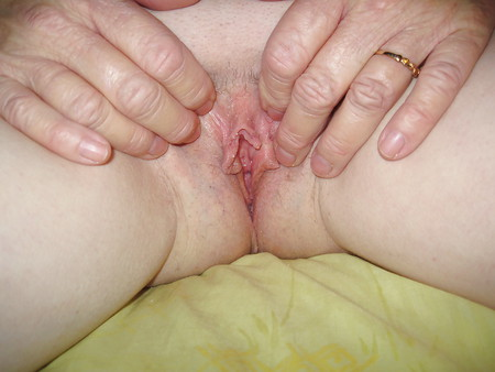 Wife with large dildo