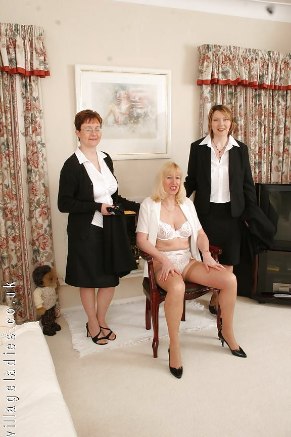 Ladies bobbi village Village Ladies