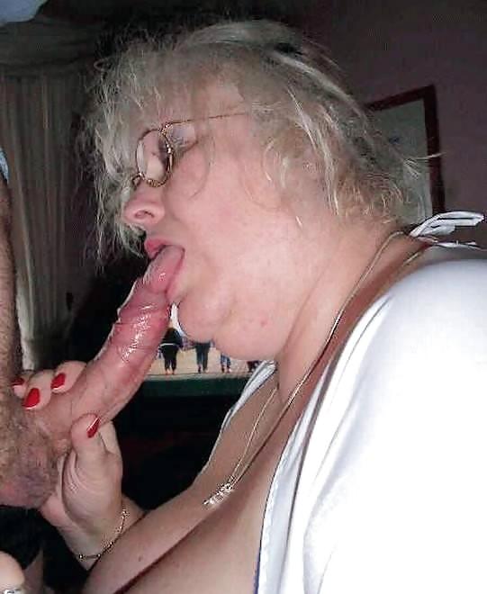 Фото сумасшедшая старушка и молодой член, откровенное порно фото девушек из города киров