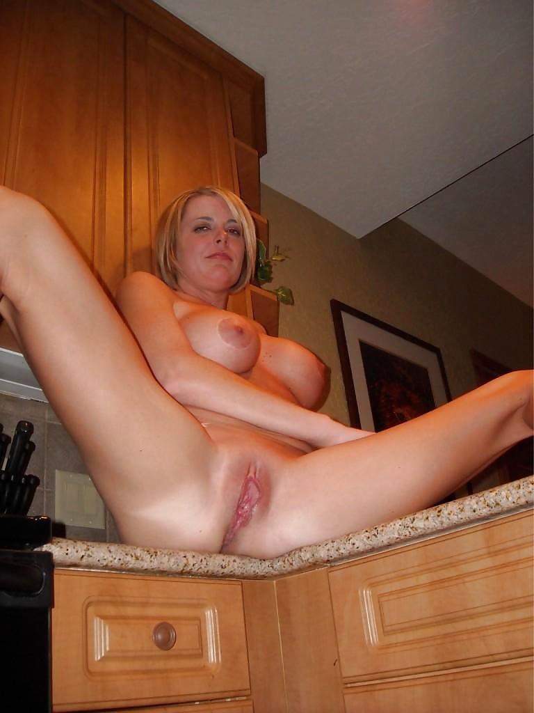Sexy Spread Eagle Nude Girls Pics