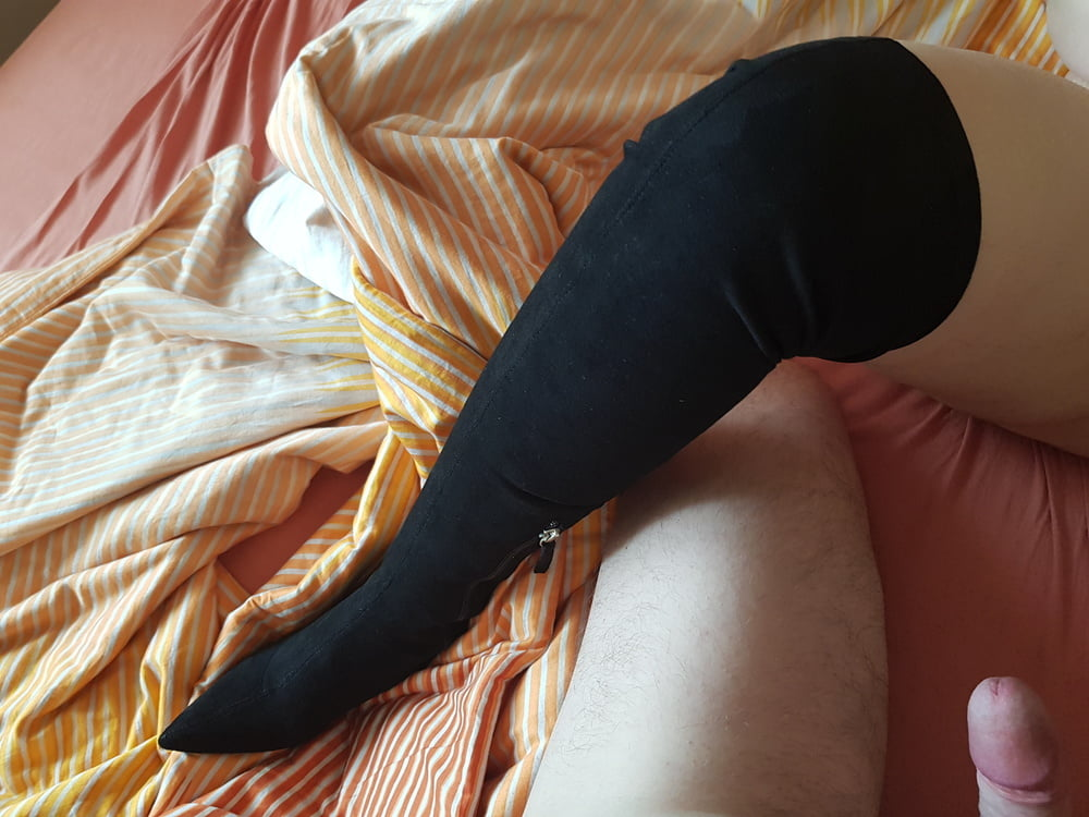 Bootsfuck with my Scretary in the Hotel - 9 Pics