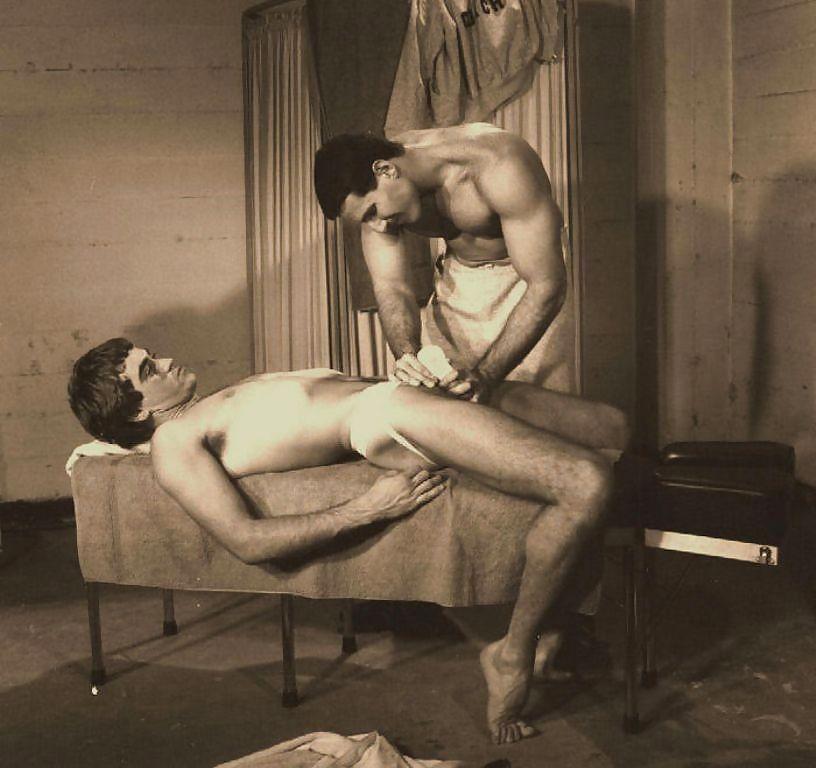 Free Vintage Gay Galery Pics